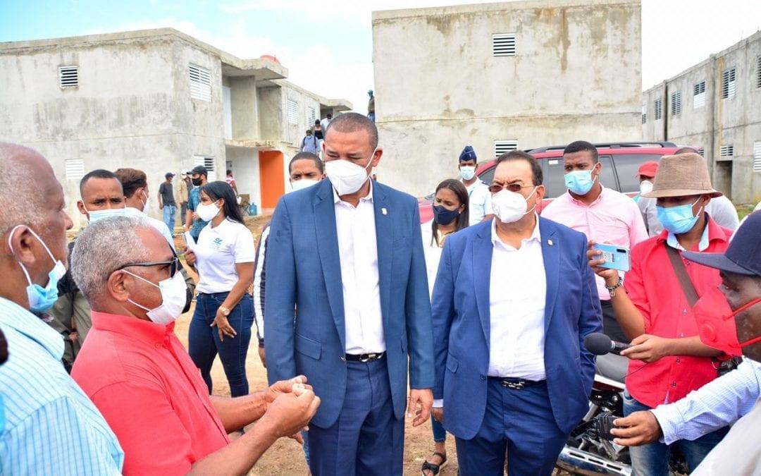 Comisión Especial realiza descenso en Sabana de la Mar y Miches para investigar la asignación edificios de apartamentos construidos por el INVI
